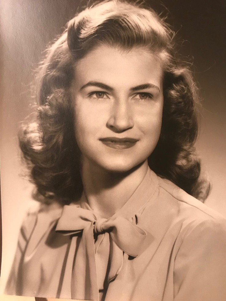 Mama age 22