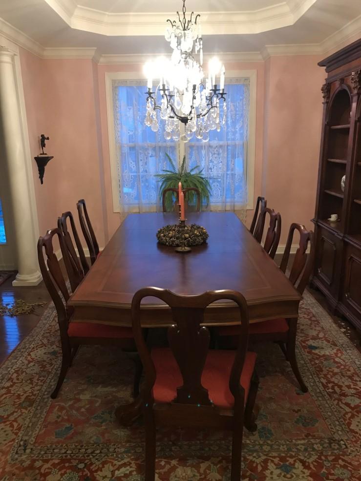 Mama's dining room